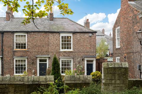 3 bedroom townhouse for sale - Tower Place, York, YO1