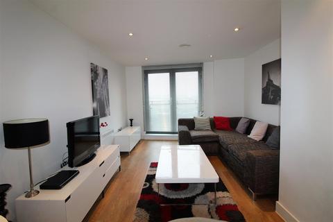 2 bedroom flat for sale - Echo Central Two, Cross Green Lane, Leeds