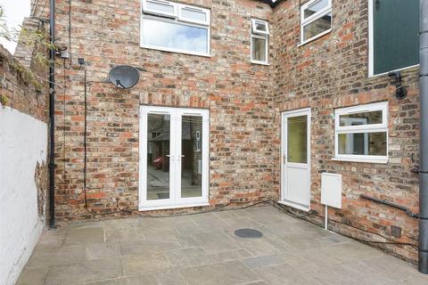 3 bedroom apartment to rent - Eldon Street, The Groves, York