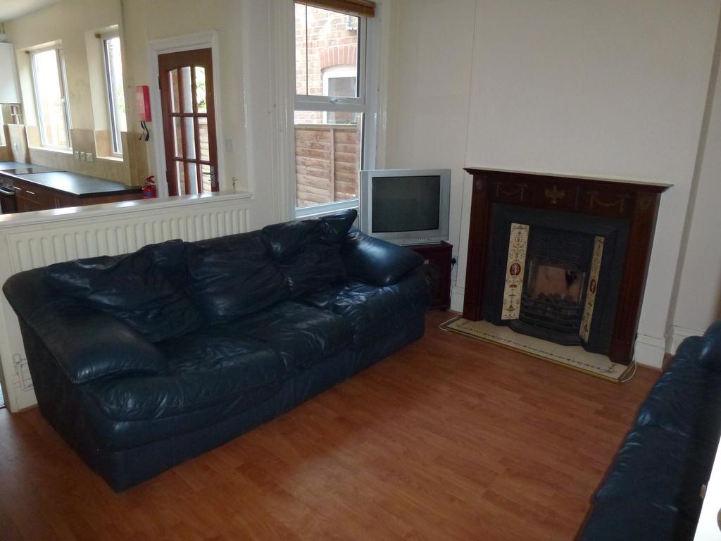 P1010391 lounge