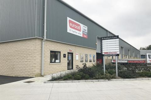 Property to rent - Leeds Road, Huddersfield