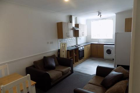 4 bedroom maisonette to rent - *NO STUDENT FEES 2020* Queen Street, Portsmouth