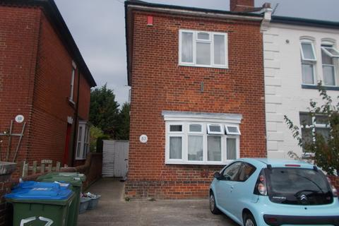 6 bedroom semi-detached house to rent - Avenue Road