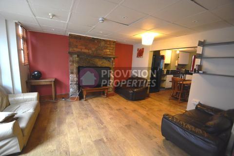 8 bedroom terraced house to rent - Ebberston Terrace, Hyde Park , Leeds LS6