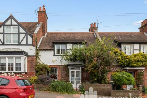 3 bedroom terraced house for sale - Lauriston Road, Brighton, East Sussex. BN1
