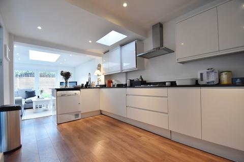 3 bedroom house to rent - Marsham Lane, Gerrards Cross, SL9