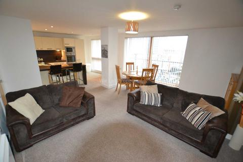 2 bedroom apartment to rent - Vallea Court, Manchester