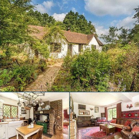 3 bedroom bungalow for sale - Shoppe Hill, Godalming, Surrey, GU8