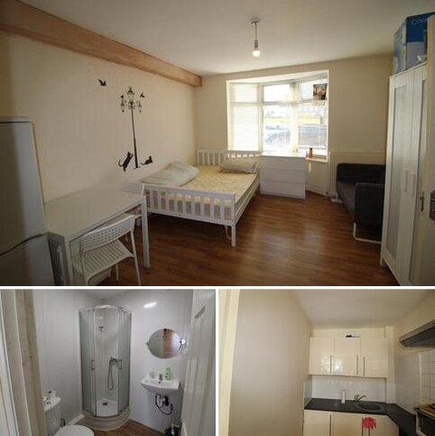 Studio to rent - Malpas Road, Becontree RM9