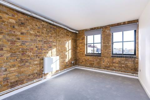 3 bedroom flat to rent - Springfield House Springfield House, 5 Tyssen Street, London, E8