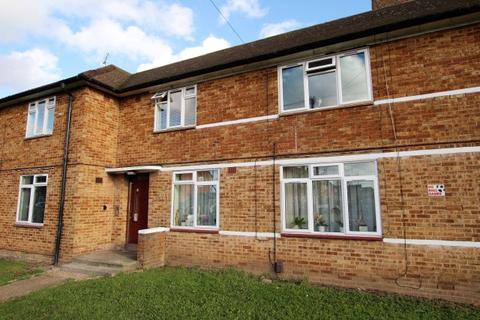 1 bedroom ground floor flat for sale - Hedgemans Way, Dagenham RM9