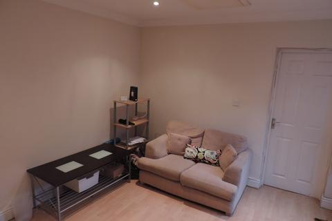 2 bedroom ground floor flat to rent - 30 Miskin Street, Cathay`s, Cardiff CF24