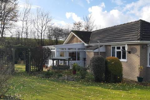 2 bedroom detached bungalow for sale - Dolau, Llandrindod Wells, LD1