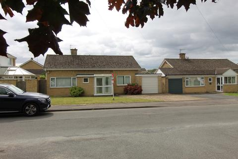 3 bedroom detached bungalow for sale - WOODMANCOTE, GL52