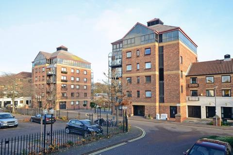 1 bedroom apartment to rent - Postern Close