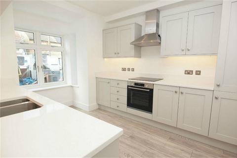 3 bedroom end of terrace house for sale - Ravenscroft Road, Beckenham, Kent