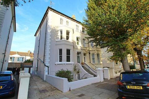 2 bedroom flat to rent - Clarendon Road, Hove