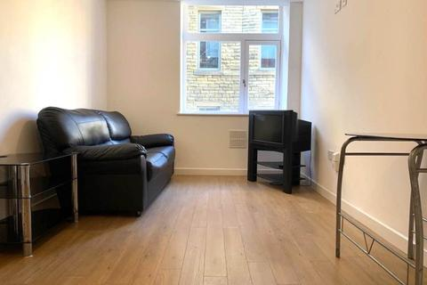 2 bedroom flat to rent - Airedale House , Sunbridge road ,