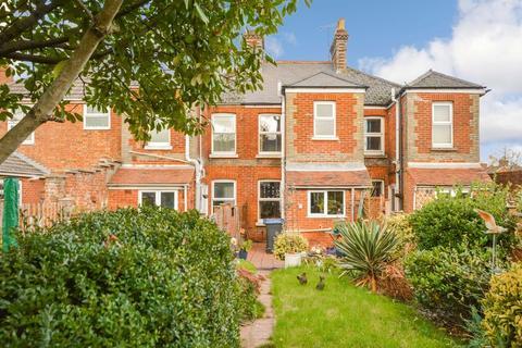 2 bedroom terraced house for sale - Meadow Road, Salisbury