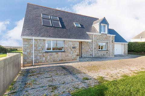4 bedroom detached house for sale - Kuggar - Lovely Views and Close to the Beach