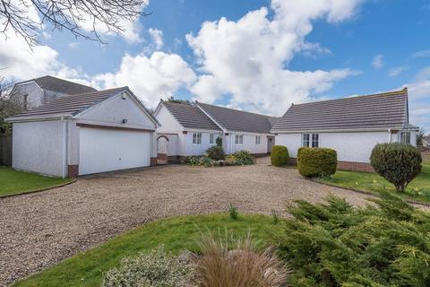4 bedroom detached bungalow for sale - Merritts Hill, Redruth
