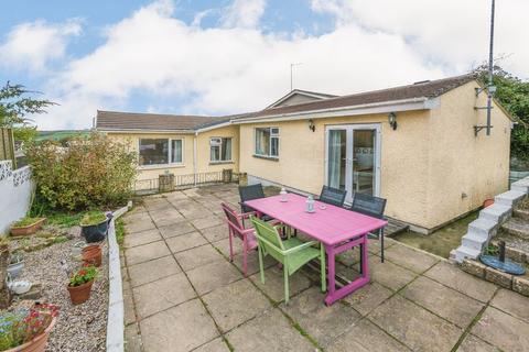 5 bedroom detached bungalow for sale - Tenderah Road, Helston