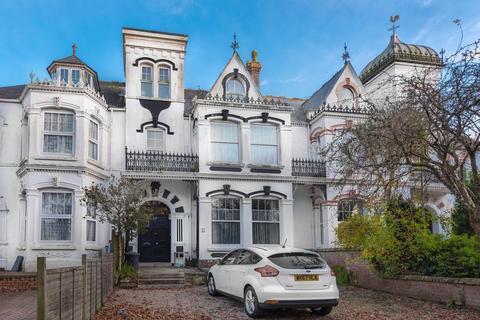6 bedroom terraced house for sale - Pendarves Road, Camborne
