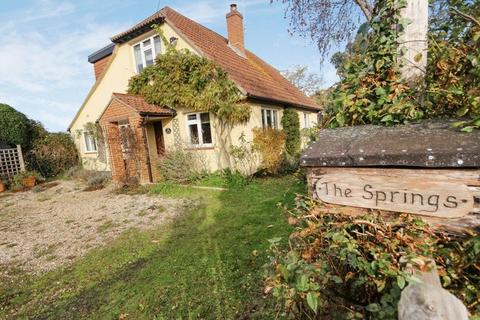 4 bedroom detached house for sale - SOPLEY  CHRISTCHURCH