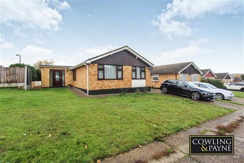 3 bedroom detached bungalow for sale - Long Meadow Drive, Wickford, Essex