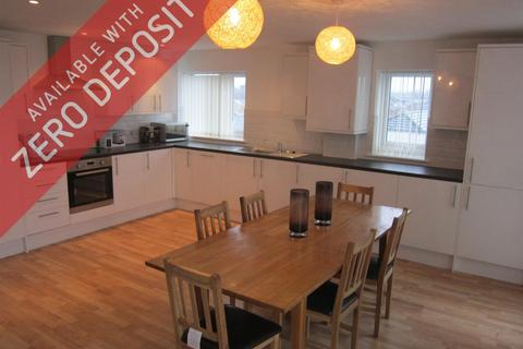 3 bedroom property to rent - Synergy Two, Ashton Old Road, Beswick, Manchester