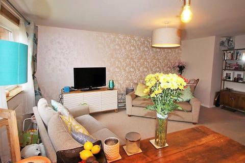 2 bedroom flat to rent - Greenside Court, Monton Road, Monton