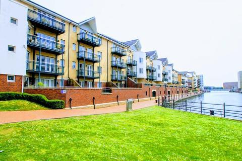 2 bedroom apartment for sale - Adventurers Quay, Cardiff