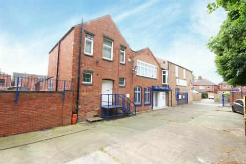 Industrial unit to rent - Hazel Street, Bulwell, Nottingham, NG6 8EA