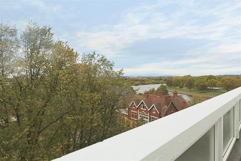 2 bedroom apartment for sale - Wilford Lane, West Bridgford, Nottingham, NG2 7RG