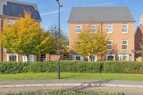 4 bedroom townhouse to rent - Crocus Drive, Sittingbourne