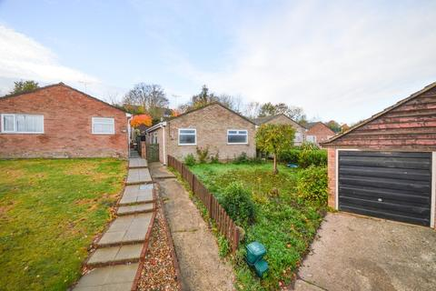 2 bedroom detached bungalow for sale - Queensway, Lawford, Manningtree