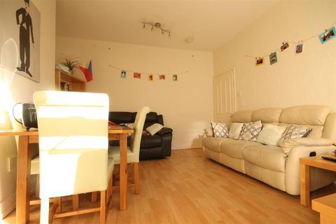 5 bedroom terraced house to rent - Sixth Avenue, Heaton