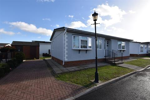 2 bedroom park home for sale - Kings Park Creek Road, Canvey Island