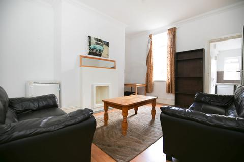 4 bedroom terraced house to rent - First Avenue, Heaton, Newcastle Upon Tyne