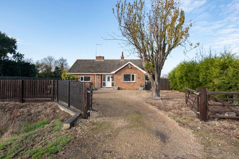 3 bedroom detached bungalow for sale - Lowgate, Gedney, PE12