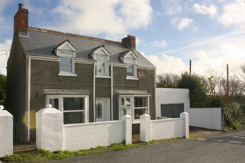 3 bedroom detached house for sale - Herbrandston, Milford Haven