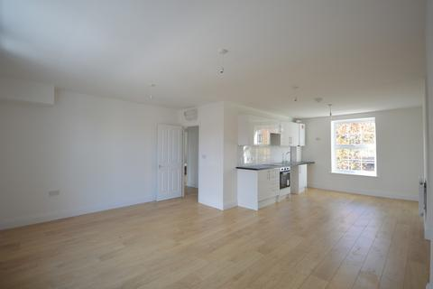 4 bedroom maisonette to rent - Caledonian Road, London, N1