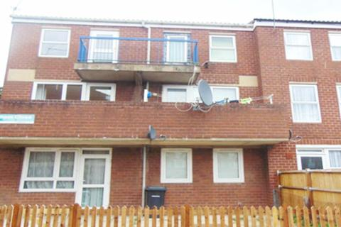 3 bedroom apartment to rent - Walsham Close N16