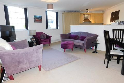 2 bedroom apartment to rent - Pryor Wing, Fairfield Hall, Kingsley Avenue, Stotfold, Herts SG5 4FX