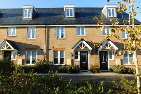 3 bedroom townhouse for sale - Hawthorn Croft, Stotfold, Hitchin, Herts SG5 4RT