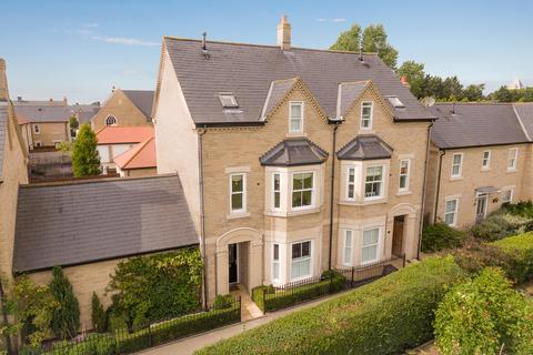 4 bedroom semi-detached house for sale - Kipling Crescent, Fairfield, Hitchin, SG5 4GY