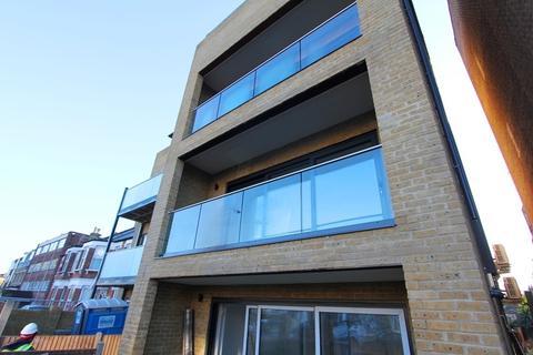 3 bedroom ground floor flat for sale - Brownlow Road, London
