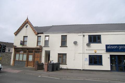 2 bedroom flat to rent - Gnoll Park Road, Neath
