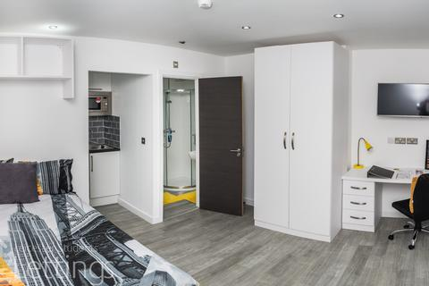 Studio to rent - Large Studio, 30 Demontfort Street, Leicester LE1 7GW