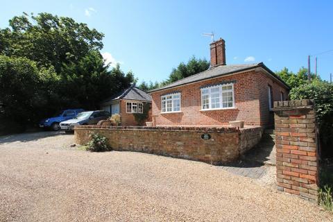 2 bedroom detached house for sale - Braintree Road, DUNMOW, Essex